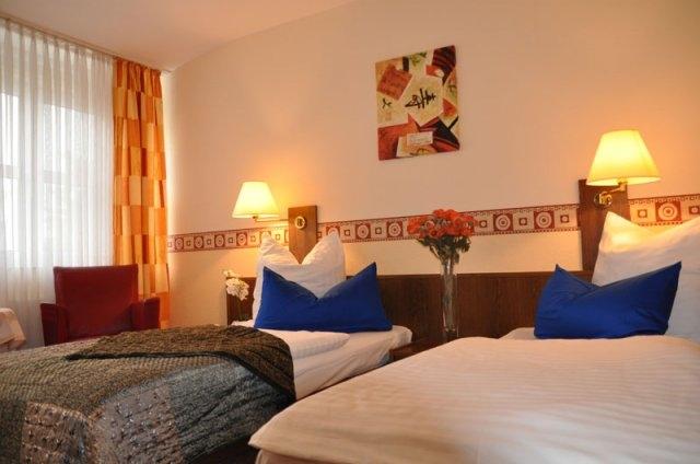 3664-Guest-Room-2