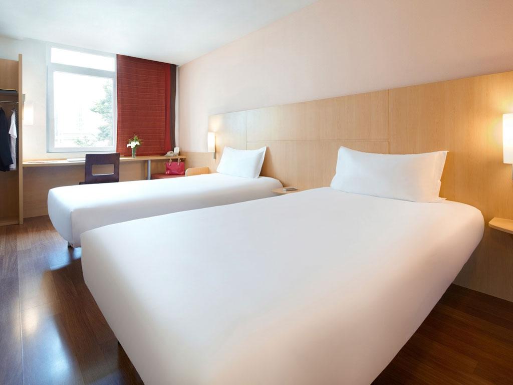4709-Guest-Room-3